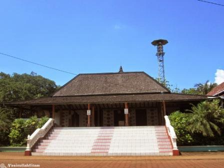 Tempat Wisata Religi Masjid Mantingan di Jepara