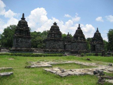 Tempat Wisata Sejarah Candi Lumbung Klaten