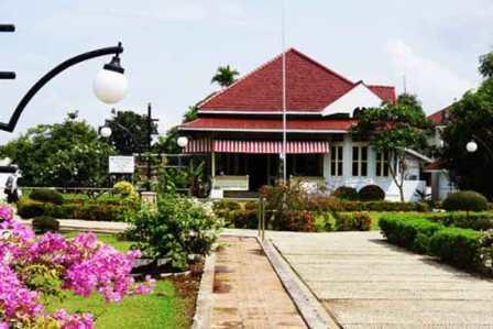 Tempat Wisata Sejarah Rumah Pengasingan Bung Karno di Bengkulu