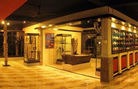 Tempat Wisata Sejarah di Museum D'Topeng Malang