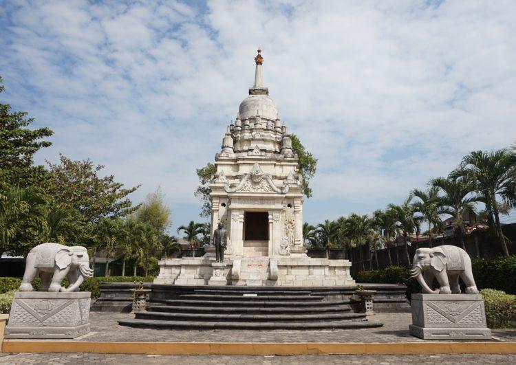 Vihara Dhamma Sundara via Surakartagoid
