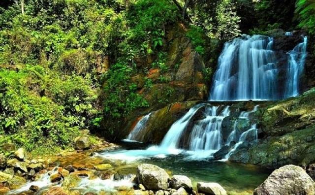 Wisata Alam Air Terjun Tiga Tingkat di Padang - tempat wisata di Padang