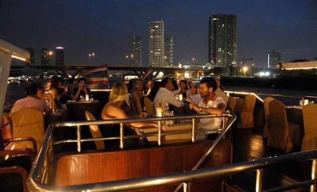 Wisata Bangkok Dinner Cruises