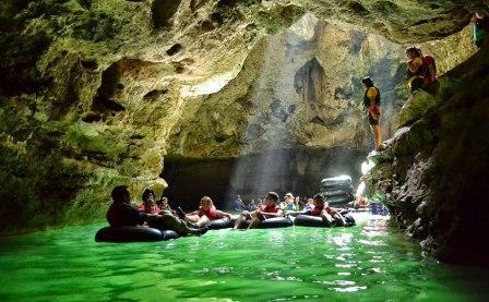 Wisata Cave Tubing di Goa Pindul Jogja