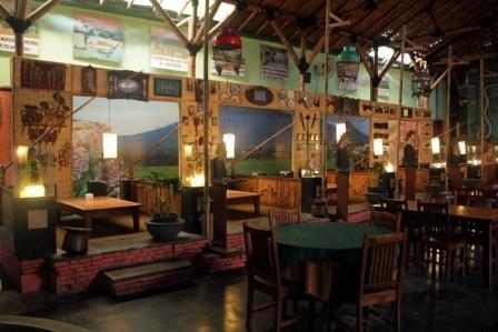 Wisata Kuliner dan Edukasi di Inggil Museum Resto Malang