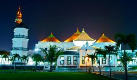 Wisata Religi Masjid Agung Sultan Mahmud Badaruddin I Palembang