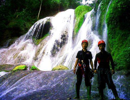 Wisata Seru ke Curug Bibijilan Sukabumi