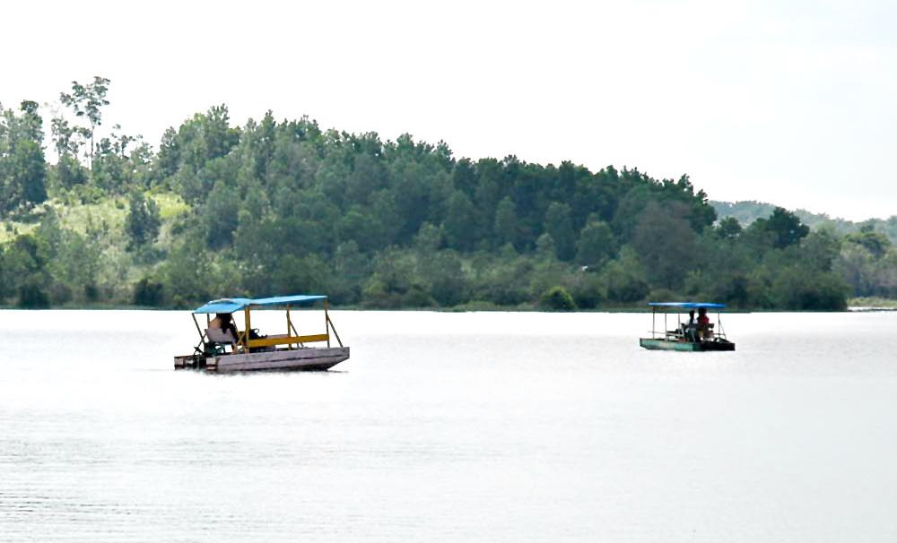 Destinasi Wisata Danau Buatan Lembah Sari di Pekanbaru