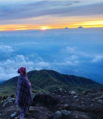 Destinasi Wisata Menantang Mendaki Gunung Slamet di Purwokerto