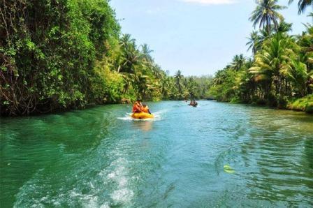Destinasi Wisata Menarik Sungai Maron di Pacitan