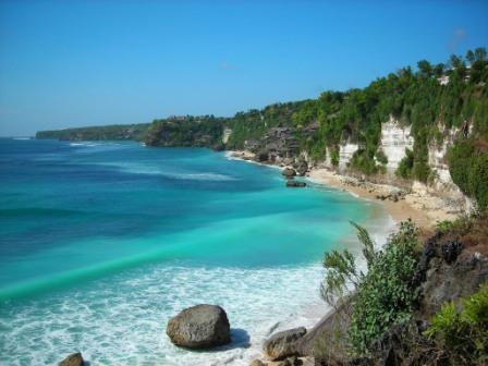 Destinasi Wisata Pantai Sawarna di Banten