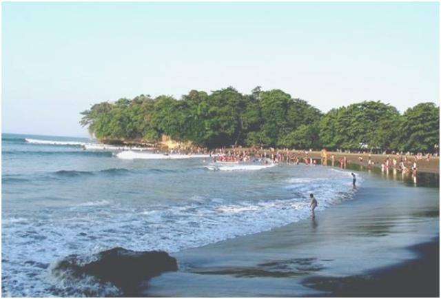 Destinasi Wisata Pantai Selatan Cipatujah di Tasikmalaya