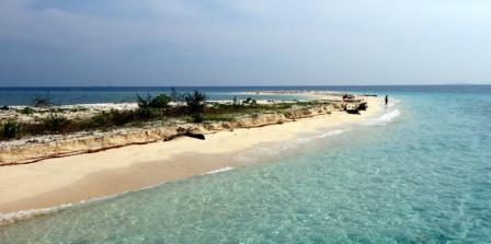 Destinasi Wisata Seru ke Pulau Kodingareng Keke di Makassar