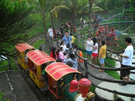 Liburan Keluarga ke Arena Fantasi Kota Bunga Cipanas di Cianjur