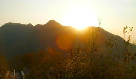 Liburan ke Puncak Gunung Maskumambang