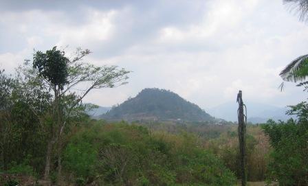Mendaki Gunung Loji