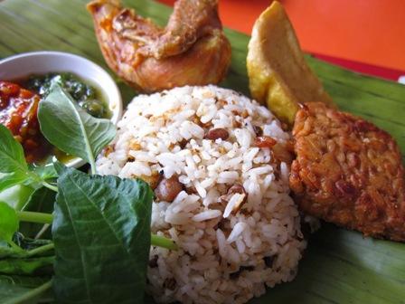 Nasi Tutug Oncom Makanan Tradisional Khas Tasikmalaya