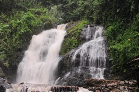 Objek Wisata Alam Curug Bandung di Karawang