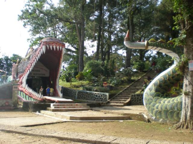 Objek Wisata Bukit Cinta di Salatiga