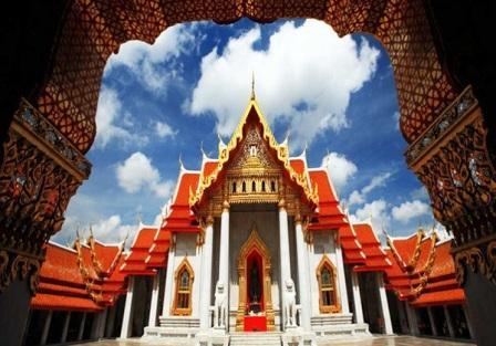 Objek Wisata Kuil Wat Benchamabophit di Thailand