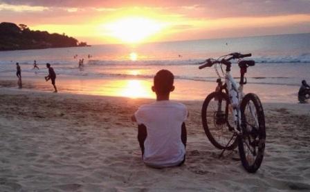 Objek Wisata Pantai Muara Gembong di Bekasi