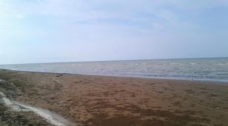 Objek Wisata Pantai Tanjung Baru di Karawang