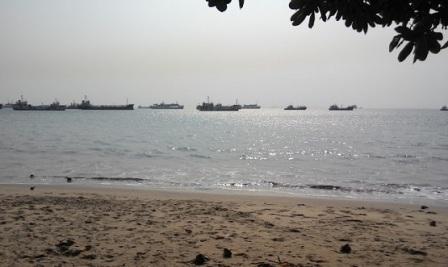 Objek Wisata Pantai dan Pelabuhan Merak di Banten