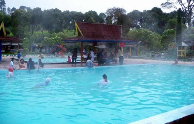 Objek Wisata Pemandian Air Panas Ciawi Tasikmalaya