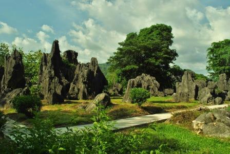 Objek Wisata Taman Nasional Bantimurung di Makassar