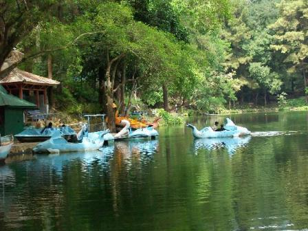 Objek Wisata Telaga Remis di Cirebon