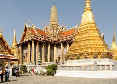Objek Wisata Wat Phra Kaew di Thailand