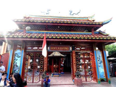 Obyek Wisata Klenteng Hok Lay Kiong di Bekasi