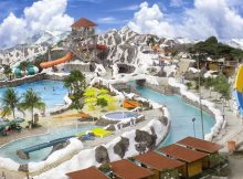 Tempat Liburan Keluarga Taruma Leisure Water Park di Karawang