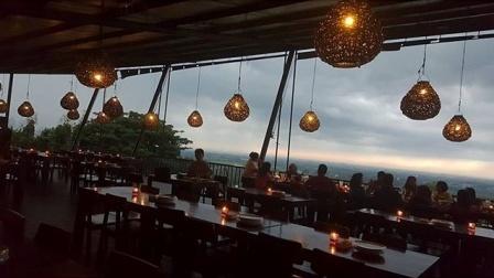 Tempat Romantis di Bukit Gronggong