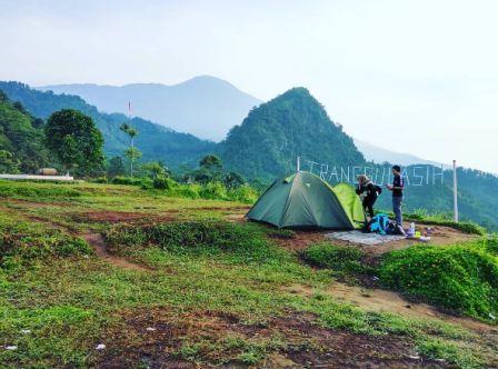 Tempat Wisata Alam Bukit Tranggulasih Purwokerto