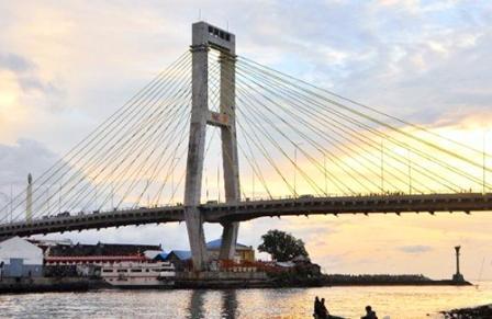 Tempat Wisata Gratis Jembatan Soekarno di Manado