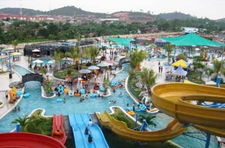 Tempat Wisata Keluarga Gumul Paradise Island di Kediri