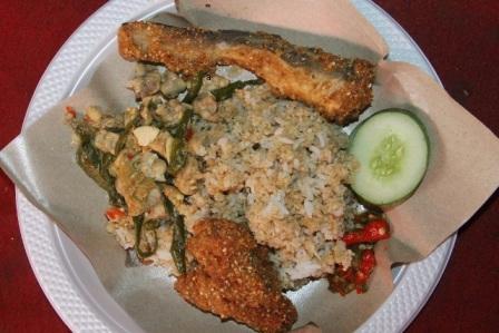 Tempat Wisata Kuliner Terkenal Nasi Tiwul di Pacitan