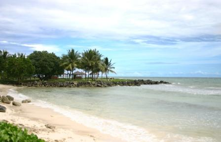 Tempat Wisata Paling Terkenal Pantai Carita di Banten