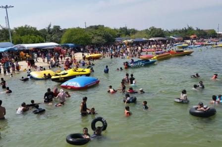 Tempat Wisata Pantai Tanjung Pasir di Tangerang