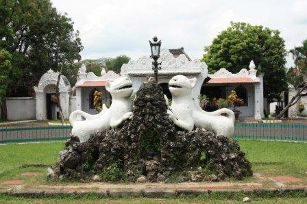 Tempat Wisata Sejarah Keraton Kasepuhan di Cirebon