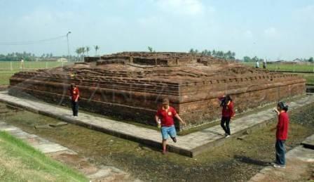 Tempat Wisata Sejarah Situs Candi Jiwa di Karawang