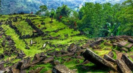 Tempat Wisata Sejarah Situs Gunung Padang di Cianjur