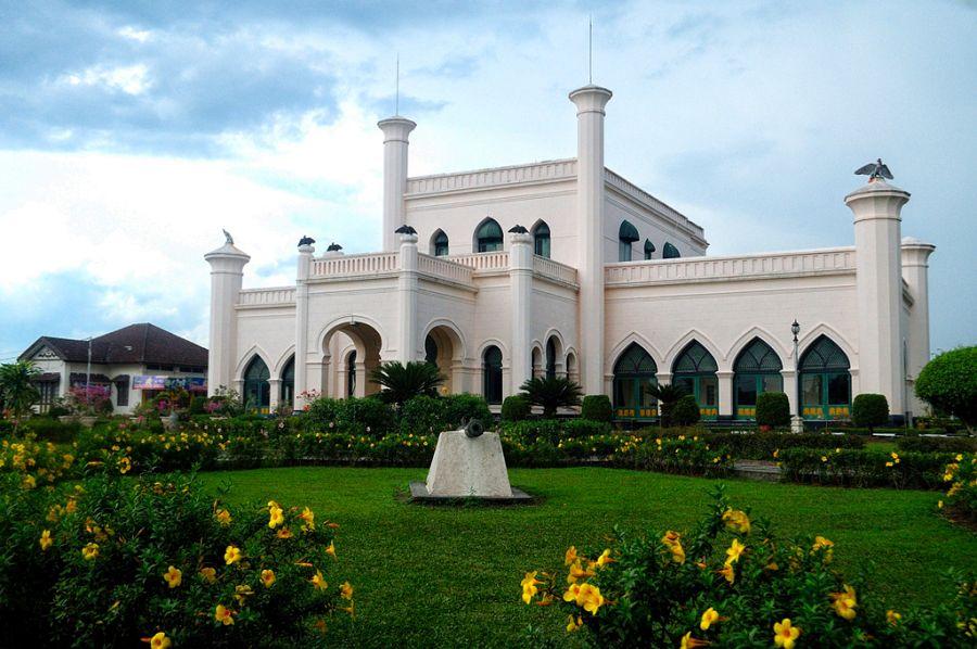 Tempat Wisata Seru Istana Siak Sri Indrapura di Pekanbaru