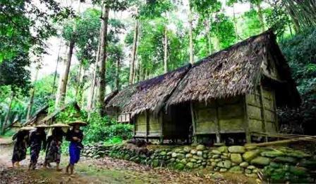 Tempat Wisata Seru ke Kampung Baduy di Banten