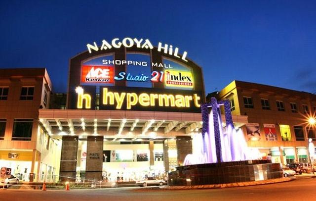 Wisata Belanja Komplek Nagoya di Batam