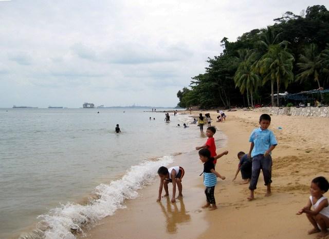 Wisata Pantai Tanjung Pinggir Batam