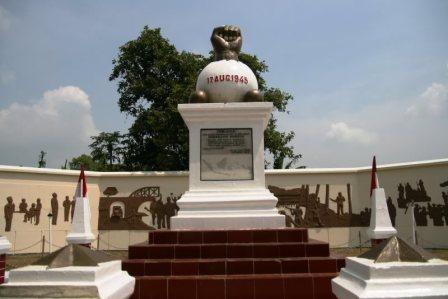 Wisata Sejarah Monumen Kebulatan Tekad Rengasdengklok di Karawang