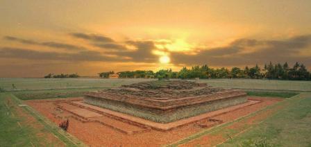 Wisata Sejarah ke Candi Blandongan