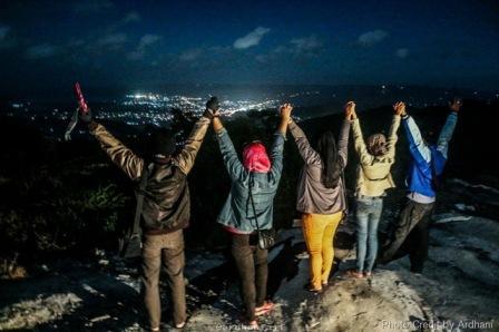 Wisata ke Bukit Pakis Pacitan - tempat wisata di Pacitan